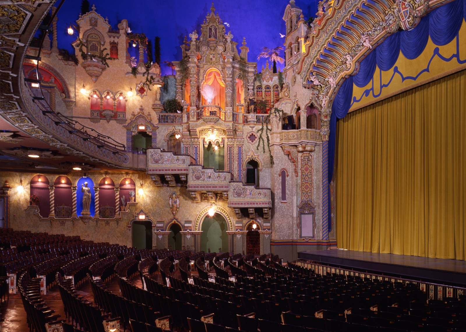 Golden Age Of Movie Theaters The Majestic The Aztec Texas Trail Roundup